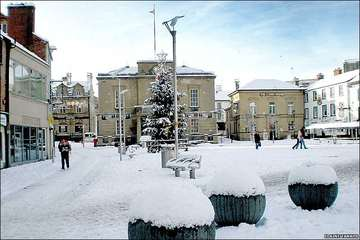 Picture of snow covered Mansfield Town Centre